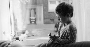foto bambino autistico | Mente Autism